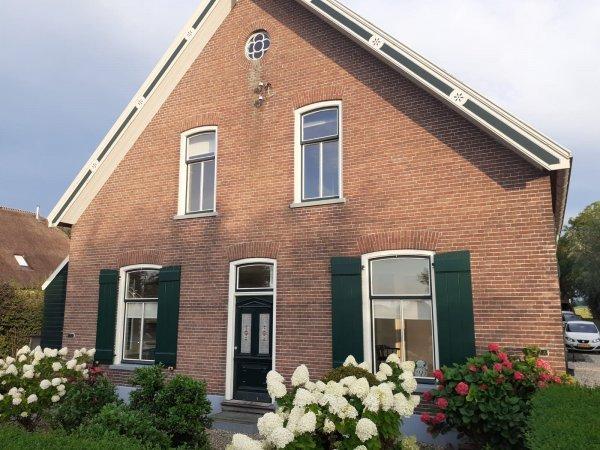Graafdijk West 12, Molenaarsgraaf