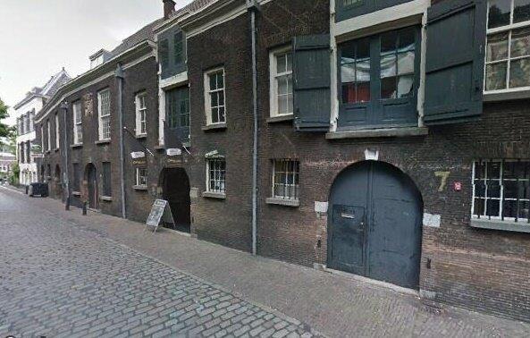 Grotekerksplein, Nieuw-Dordrecht
