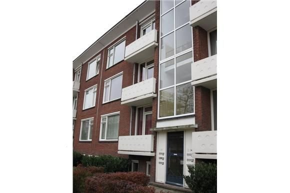 J.H.W. Robersstraat 95